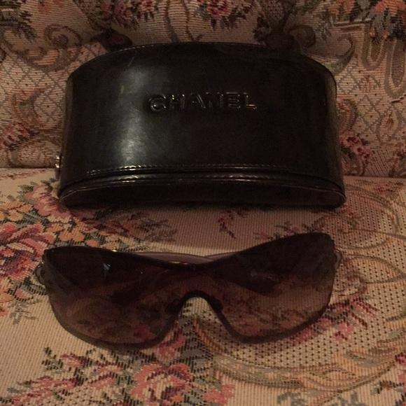 e3b359805173 CHANEL Accessories - Authentic Chanel Camilla Shield Sunglasses